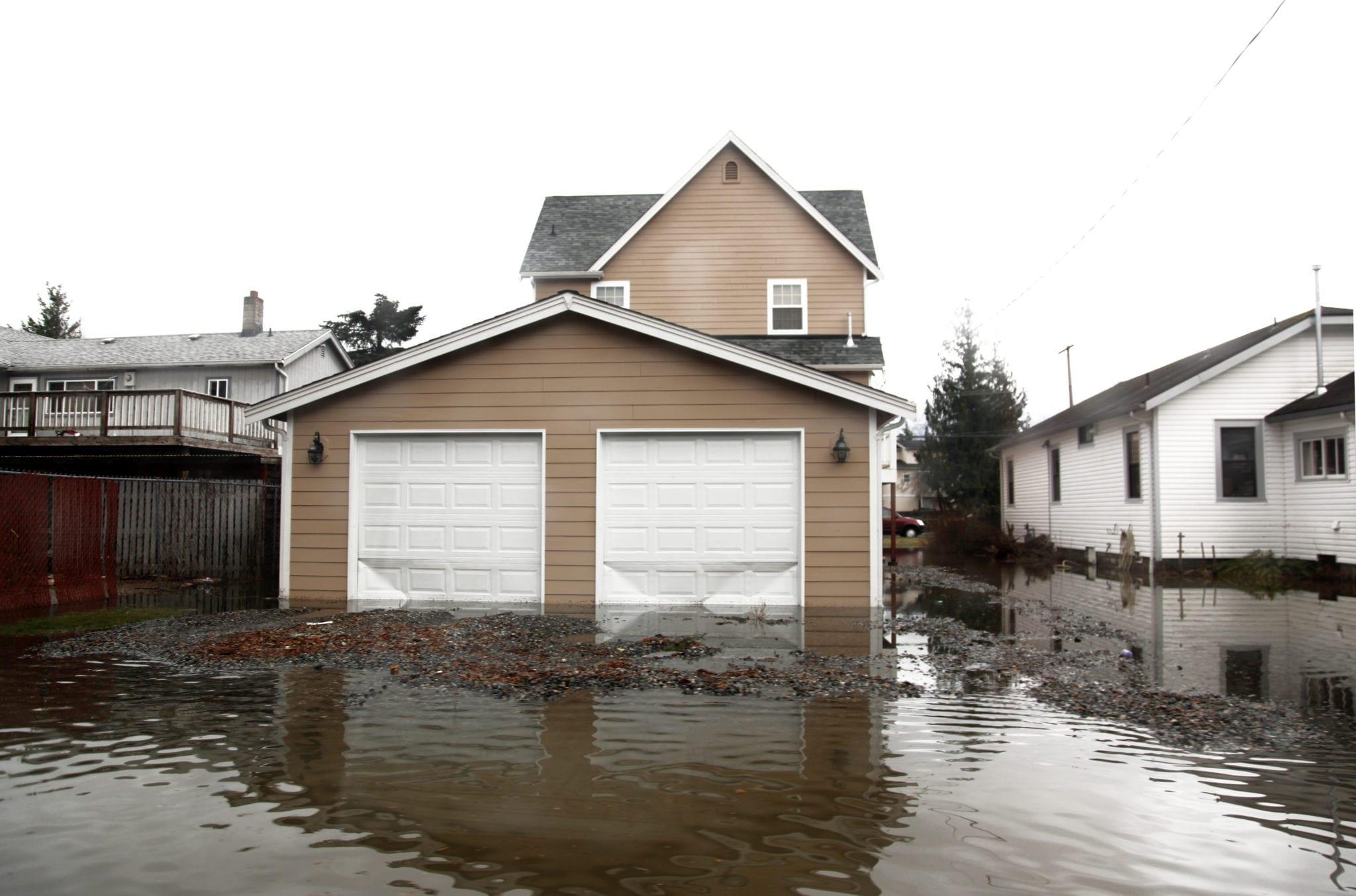 emergency flood damage response